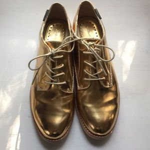 "METALLIC GOLD ""HOLIDAY"" OXFORDS!!"